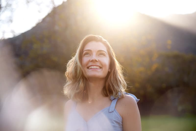 One of the most important advantages of DBT for substance abuse is that it allows patients to assess their feelings and respond more calmly to what is going on.